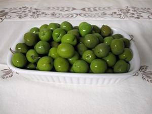 Sicilianska gröna oliver i lösvikt